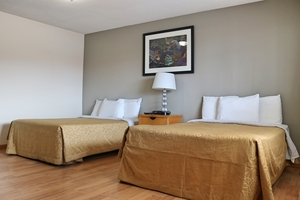Standard Room with Two Double Beds Photo 8