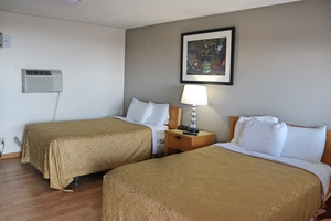 Standard Room with Two Double Beds Photo 4